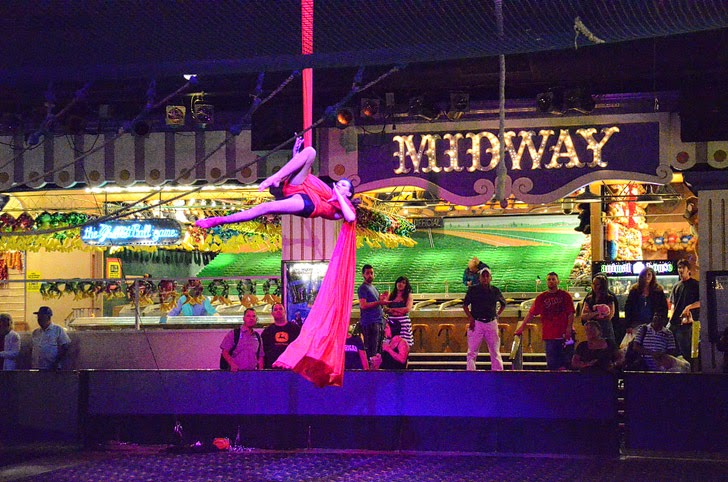 Circus Acts at Circus Circus (25 Free Things to Do in Vegas).
