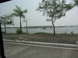 0039Road_to_Halong_Bay