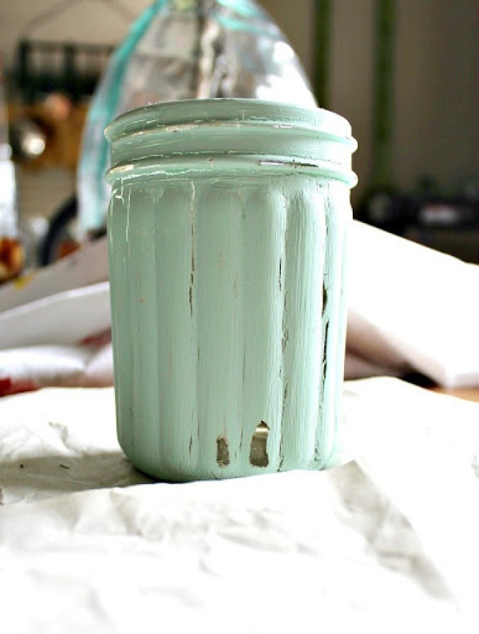 chalk-painted-mason-jar-4
