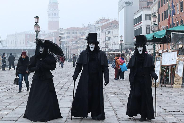 Costumes traditionnels du Carnaval de Venise.