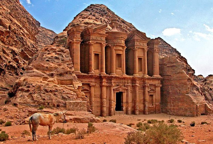 Trek to Petra (25 Best Hikes in the World).