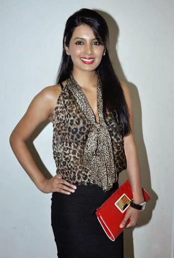 Geeta Basra Weight