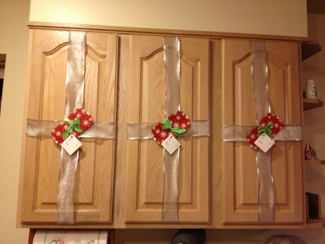 Yuen Yarn: Holiday Decorating Week And Cheap And Easy