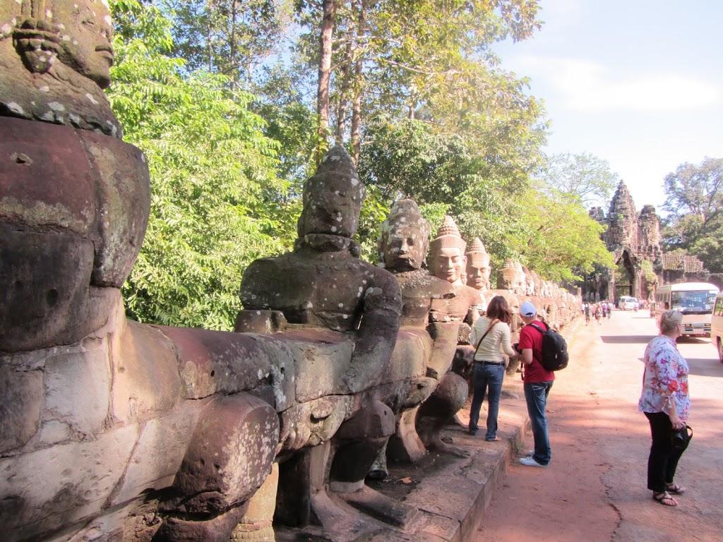 0007Angkor_Wat