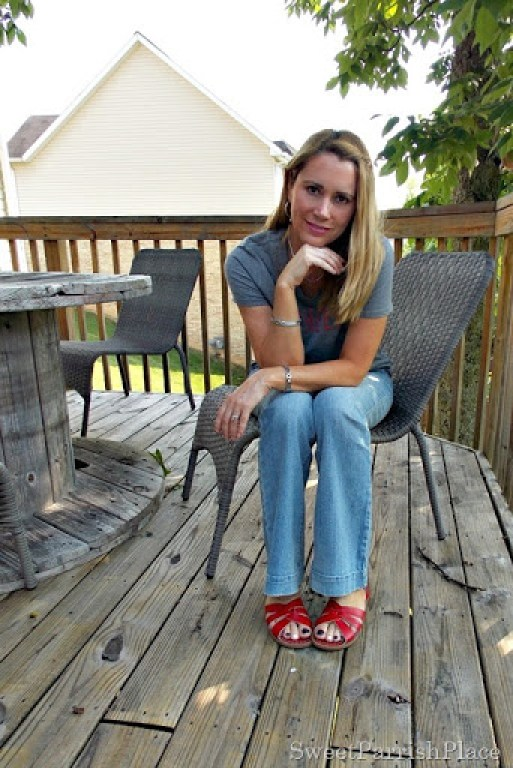 cheers graphic tee, flared jeans, red sandals3