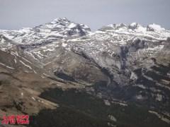 Desde la cima, hacia el macizo de Monte Perdido ©aunpasodelacima