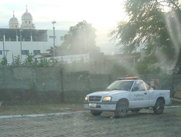 Resultado de imagem para fotos do carro fumacê em sao paulo do potengi