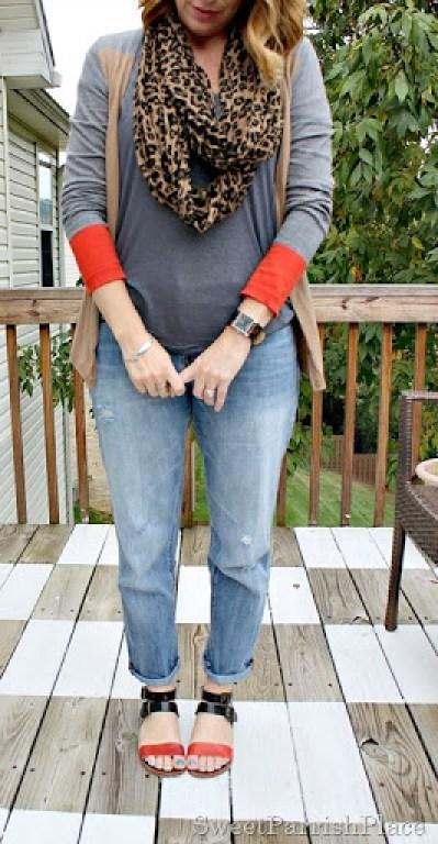 boyfriend-jeans-color-blocked-cardigan-sandals-3