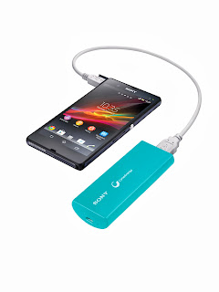 CP-V3 USB Portable Charger with smartphone