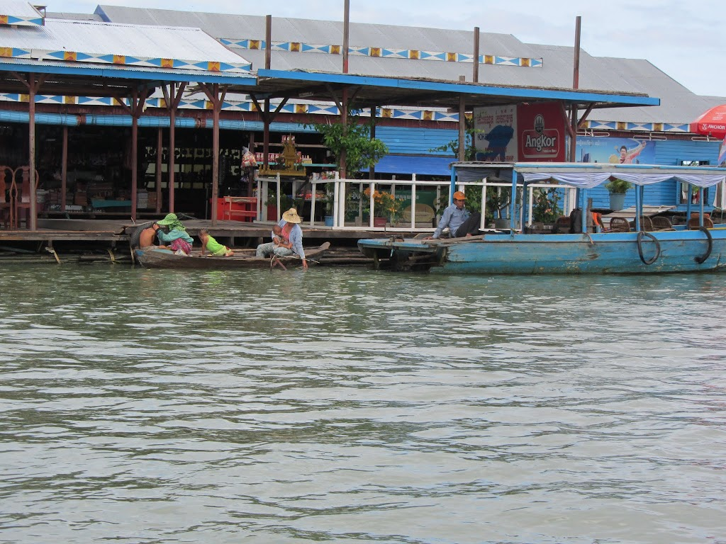 0036Tonle_Sap_Lake_Floating_Village