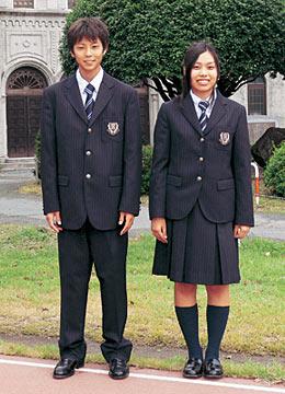 九州学院高等学校の女子の制服2