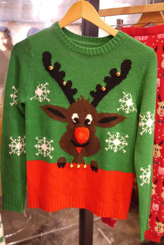 トナカイのセーター