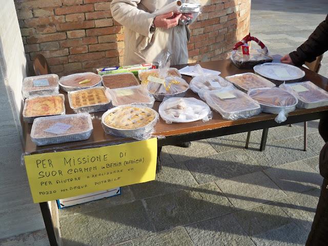 Vendita di torte nella Parrocchia di Cognento