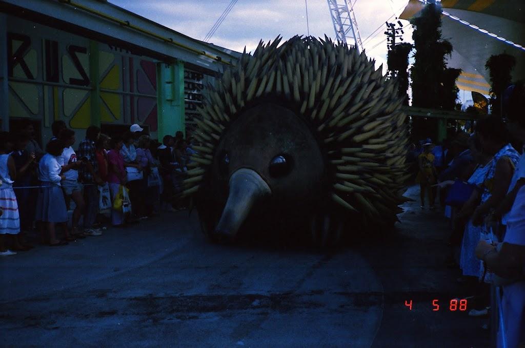 0155Expo Parade