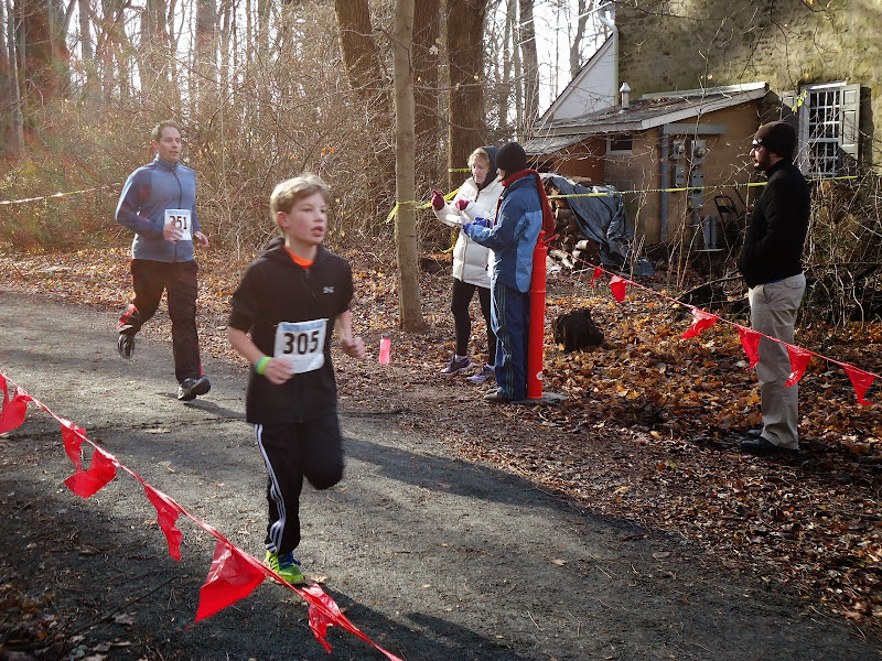Winter Wonder Run 6K - December 7, 2013 - DSC00454.JPG