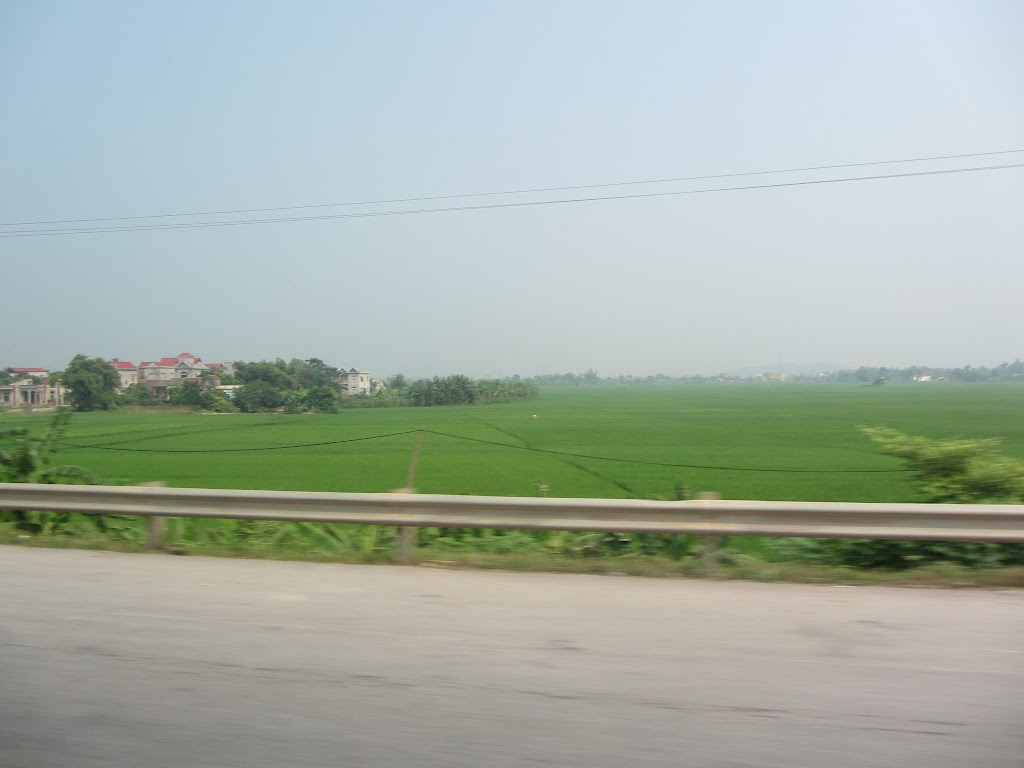 0024Road_to_Halong_Bay
