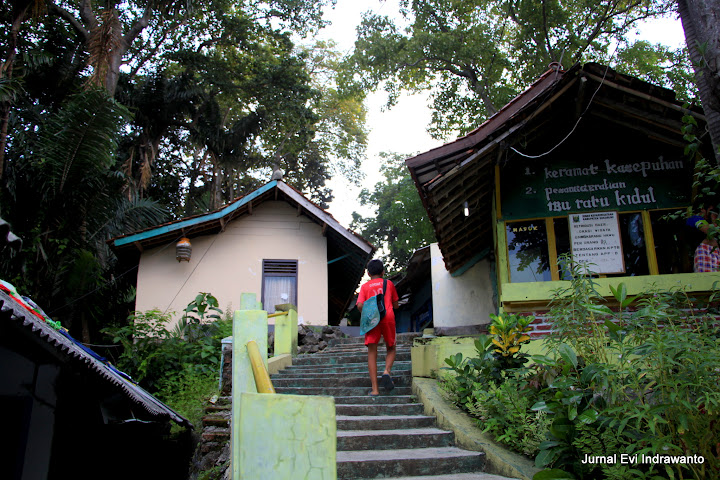 Makam Nyi Roro Kidul