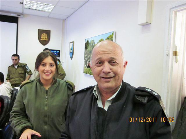 ארוע  עם קצין השלישות תאל אריה דהן 01.12.12 005