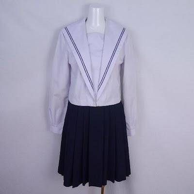 愛媛県立今治西高等学校の女子の制服1