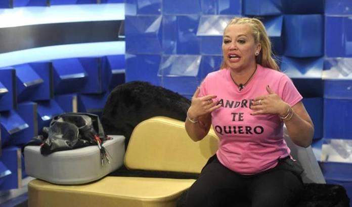 GH VIP muestra con orgullo la camiseta dedicada a Andreíta
