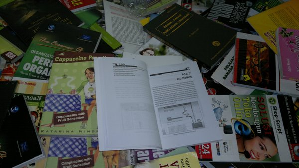 isi Buku 100 Ide Kreatif Tentang Blog