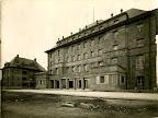 AOK-Gebäude in der Frankfurter Straße (heute Jahnallee), Aussenansicht, Haupteingang, 1925, Fotograf: Eduard Krömer (Atelier)