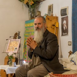 Autumn-2017-spiritual-meditation-retreat-Satguru-Sirio-Satsang30.jpg