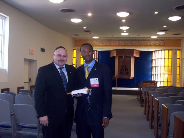 IVLP 2010 - Visit to Jewish Synagogue in IOWA - 100_0857.JPG