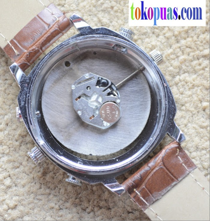 membongkar isi spy watch camera