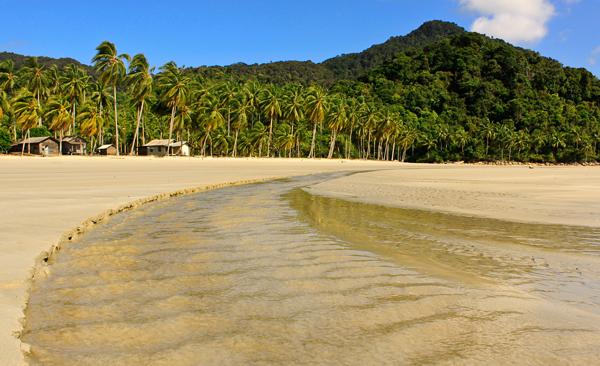 Keindahan Pantai di Kepulauan Riau - Indonesian Beach