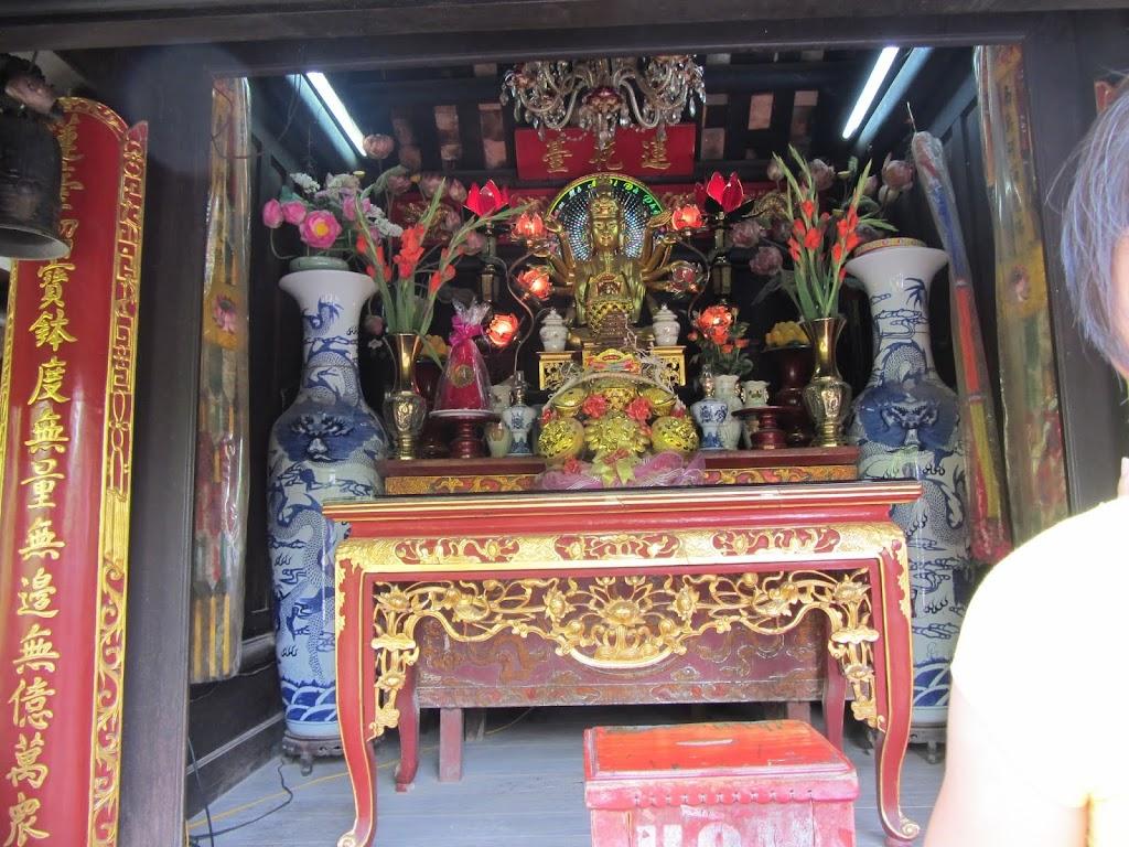 0490The_One_Pillar_Pagoda
