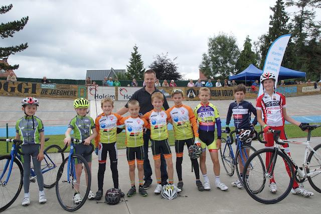 groepsfoto initiatie baanwielrennen