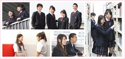 大阪偕星学園高等学校の女子の制服2