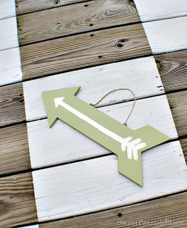 painted-wooden-arrow @ www.sweetparrishplace.com