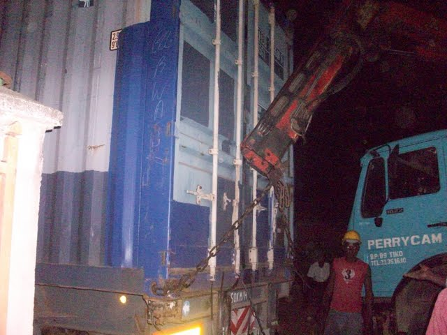 Container Arrival & Offloading in Buea - 100_9129.JPG