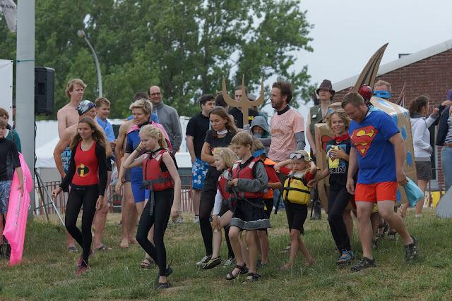 superhelden maken zich klaar om te springen