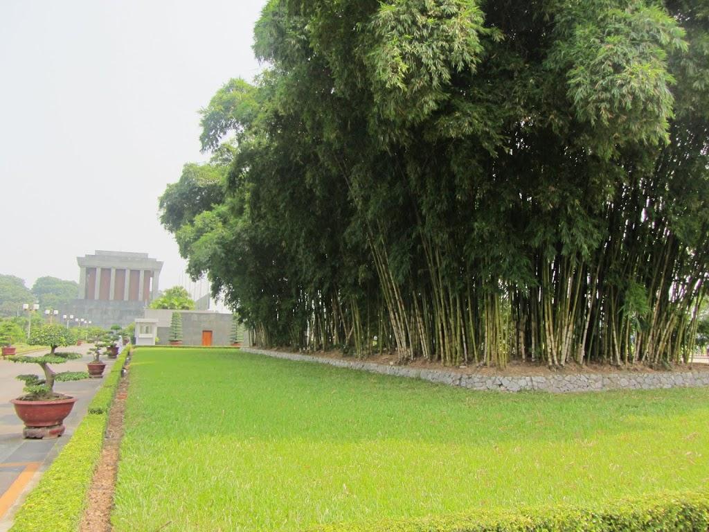 0430Ho_Chi_Minhs_Mausoleum