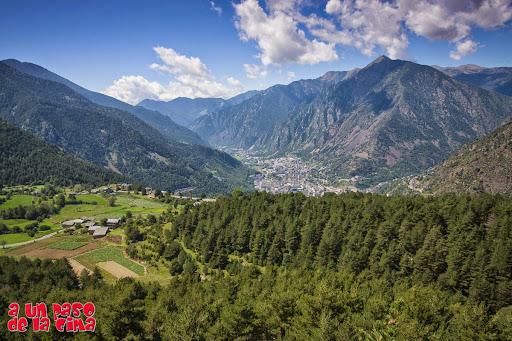 Increíble vista sobre Andorra. ©aunpasodelacima