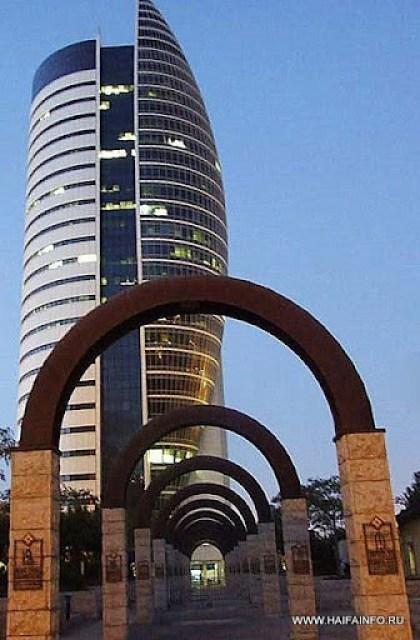 ADSCF4047A Haifa Goverment Buildings.jpg