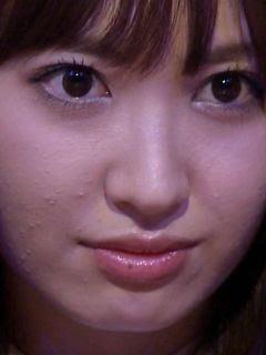 肌荒れがヤバイと話題の小嶋陽菜ちゃんの画像その4