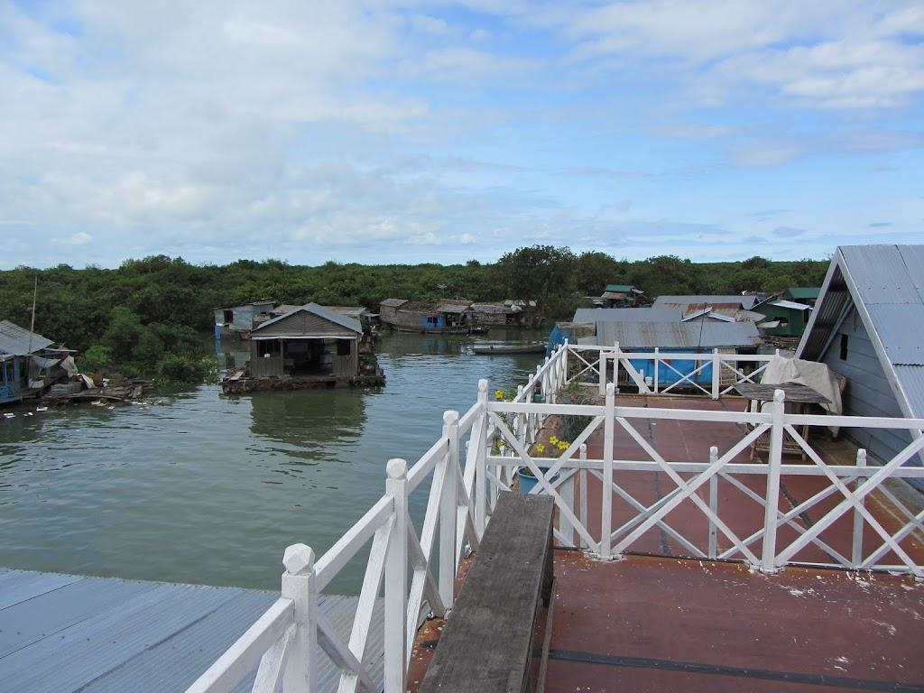 0043Tonle_Sap_Lake_Floating_Village
