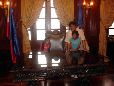 March 12: Sir Jojo with Emae and Patricia at the former table of President Marcos where he declared Martial Law in 1971.