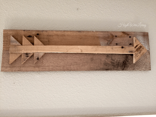 pallet wood arrow