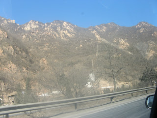 0150On the road to the Great Wall