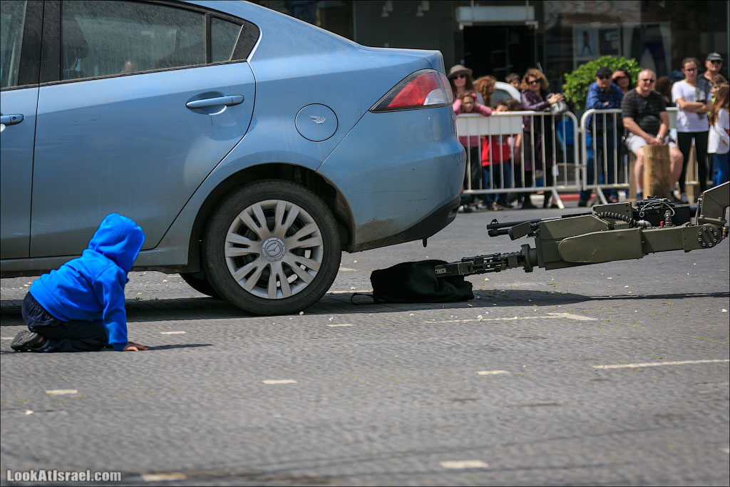 Эта служба и опасна и трудна   LookAtIsrael.com - Фотографии Израиля и не только...