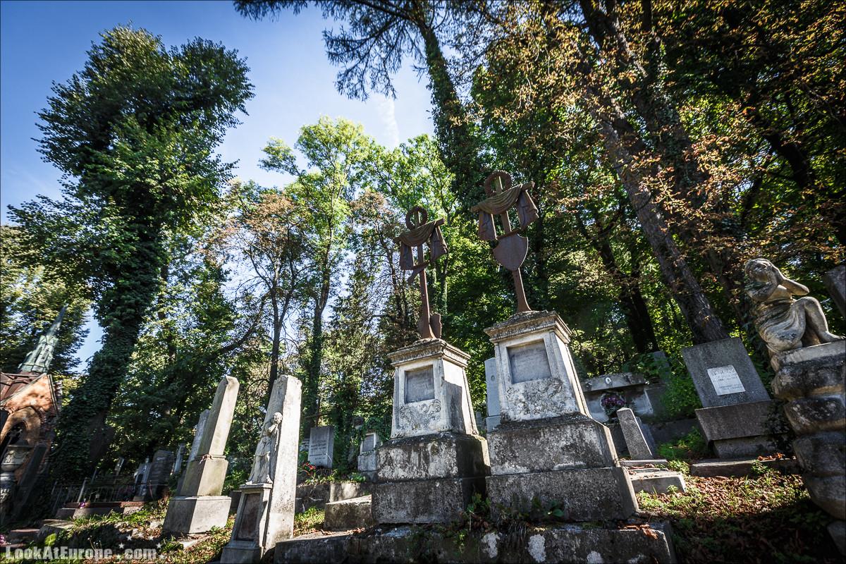 Лычаковское кладбище во Львове   Lychakovski cemetry in Lviv   Блог LookAtIsrael.com путешествует по Украине