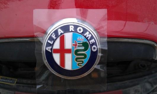 ремонт на емблема алфа ромео