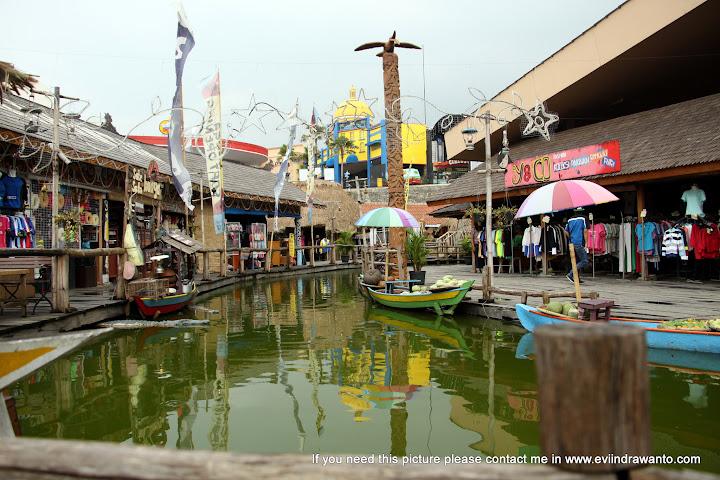 Gambar Pasar Apung Batu Malang
