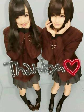 富山県立高岡商業高等学校の女子の制服4