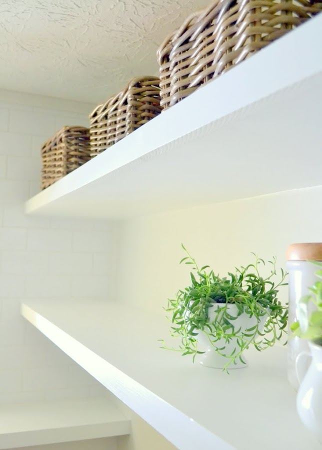 DIY thin floating shelves